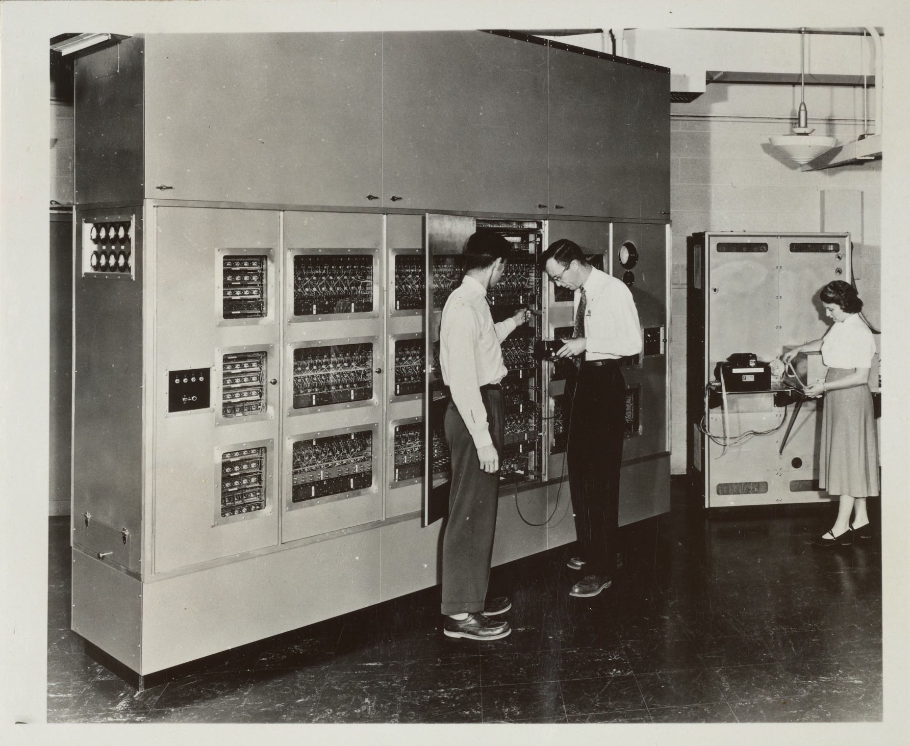 Computer Science and Computing: A Guide to Archival Holdings